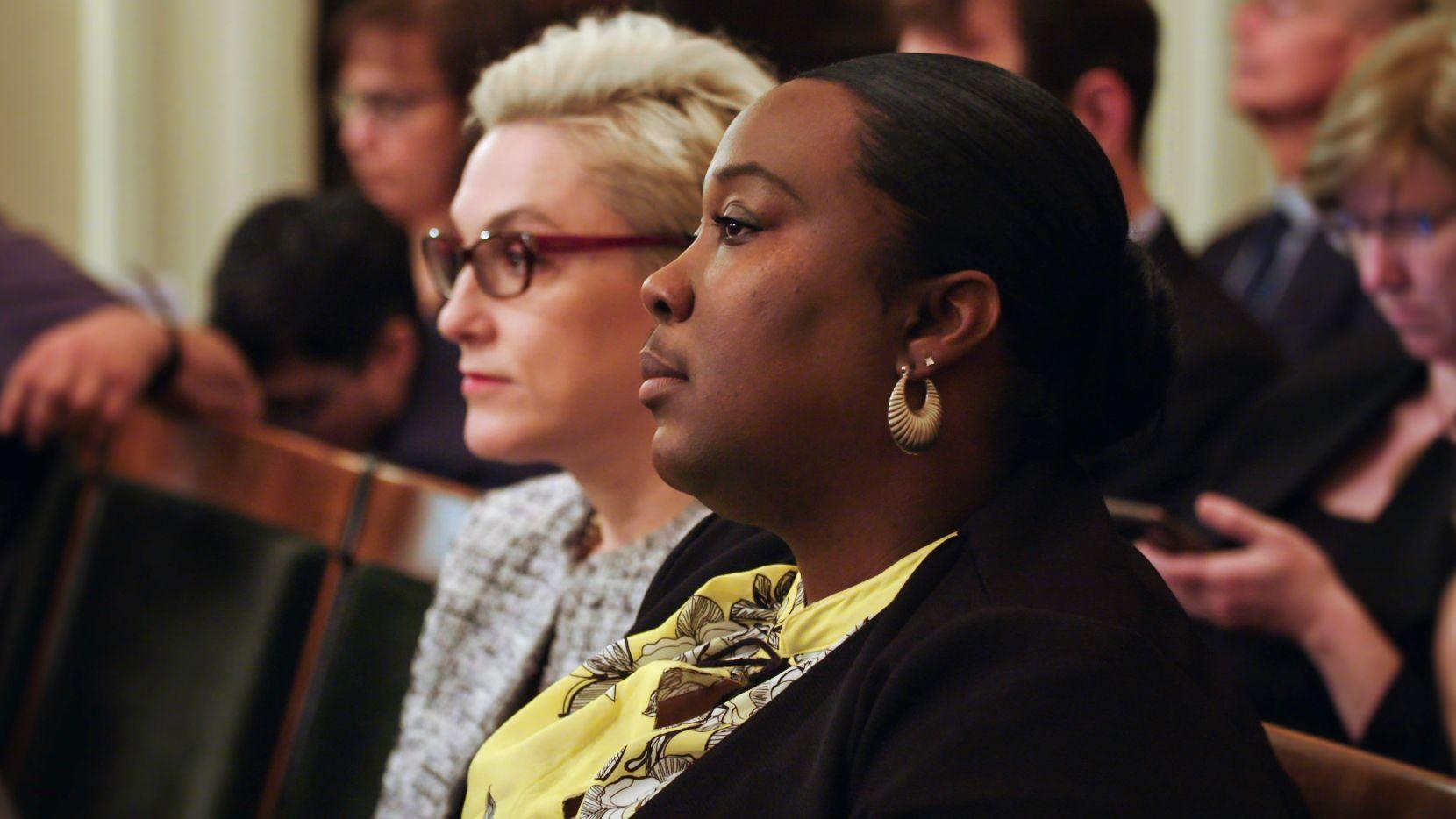 Kelli Dillon sitting in court